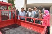 محافظ أسيوط يوزع 19 تروسيكل للأسر الفقيرة ضمن مشروع رزق حلال