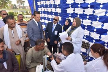 محافظ أسيوط يتفقد الحملات الطبية لفحص المواطنين في تخصصات السكر والضغط وفيروس سي في شوارع المحافظة