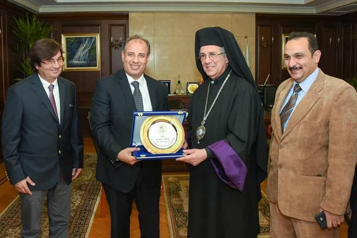 محافظ الاسكندرية يستقبل نيافة الانبا كريكور أغسطينوس مطران الأرمن الكاثوليك