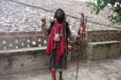 قبيلة هندية تأكل الموتى وتستخدم الجماجم كؤوسا للشرب
