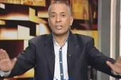 أحمد موسى ينفعل على حمدين صباحى و يمزق ورق الأعداد على الهواء