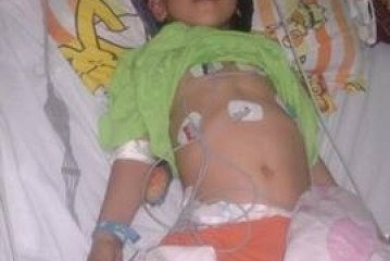 نيابة الغردقة تفتح التحقيق مع المتسببين في فقدان الطفل ( أندرو) بصره