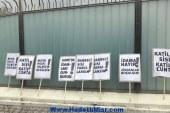 احتجاج على أبواب القنصلية المصرية في إسطنبول
