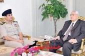 عدلى منصور يرافق السيسى بميدان التحرير