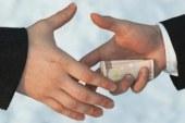 الرقابة الإدارية تضبط مدير مشتريات بوزارة التخطيط لتقاضى 1.3مليون جنيه رشوة