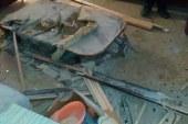 بالصور تضرر احد العمارات السكنية  في حي الزهور بالعريش ناتج سقوط قذيفه مجهوله
