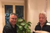 صور توقيع إيناسيو على عقود تدريب الفريق