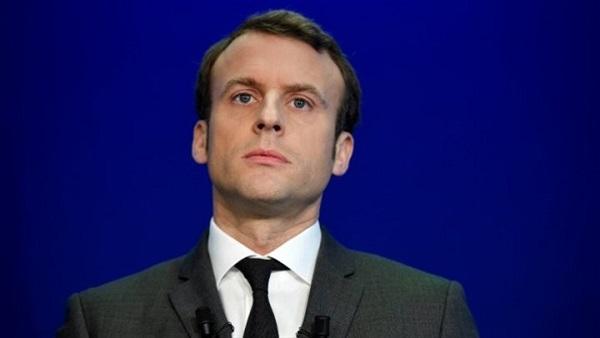 ماكرون يُعزي السيسي هاتفيًا ويؤكد وقوف فرنسا بجانب مصر