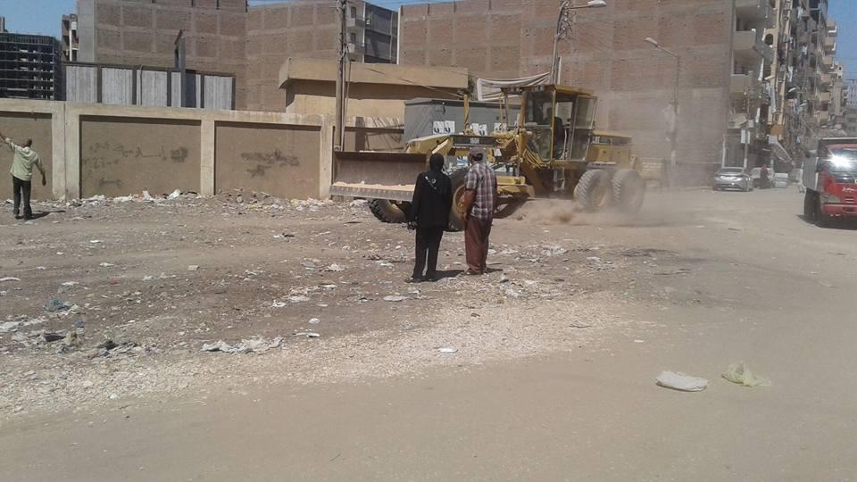 إيقاف بناء بدون ترخيص بحي غرب أسيوط